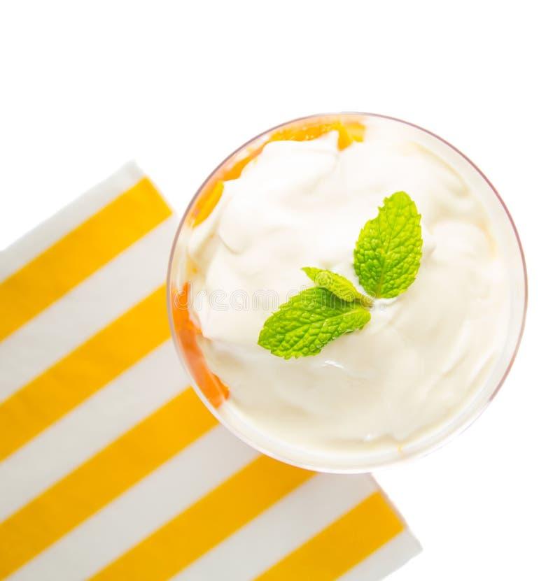Papaye avec du yaourt III image stock