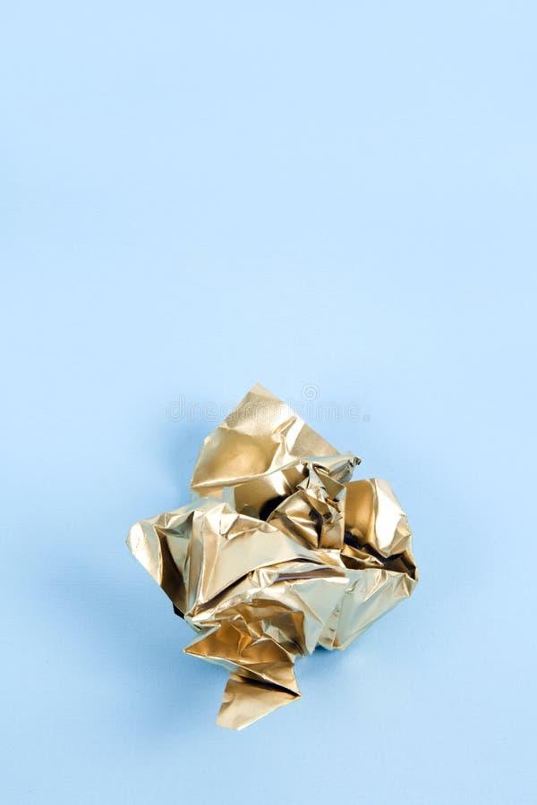 Papel arrugado oro fotografía de archivo libre de regalías