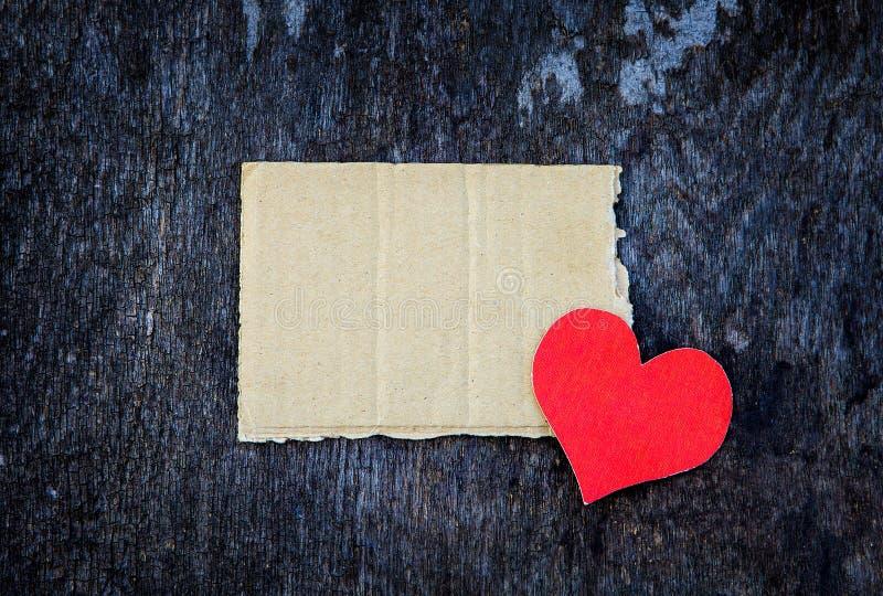 Papel con forma de corazón fotografía de archivo libre de regalías