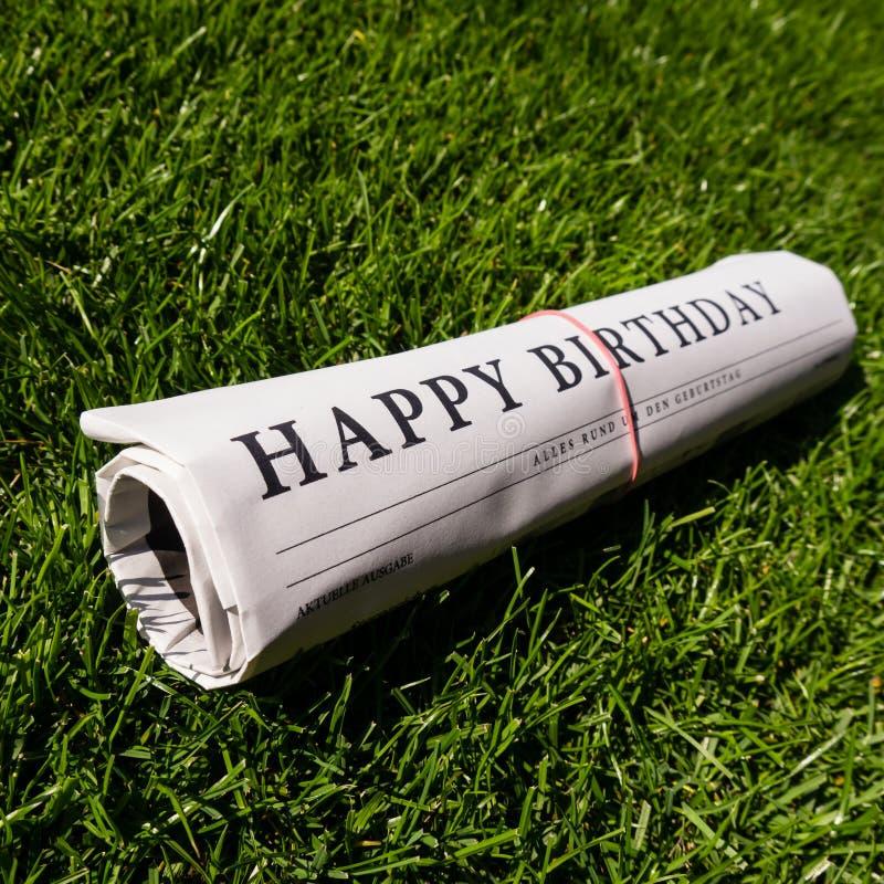 Papel de feliz cumpleaños imágenes de archivo libres de regalías
