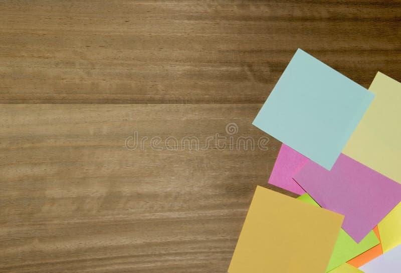 Papel de nota coloreado multi fotografía de archivo libre de regalías