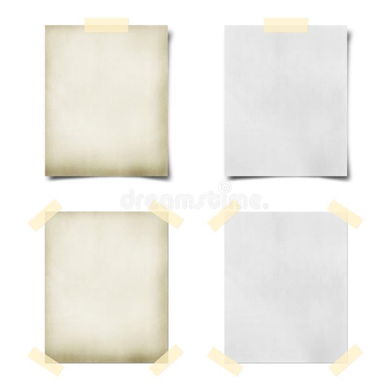 Papel de nota grabado y pined imágenes de archivo libres de regalías
