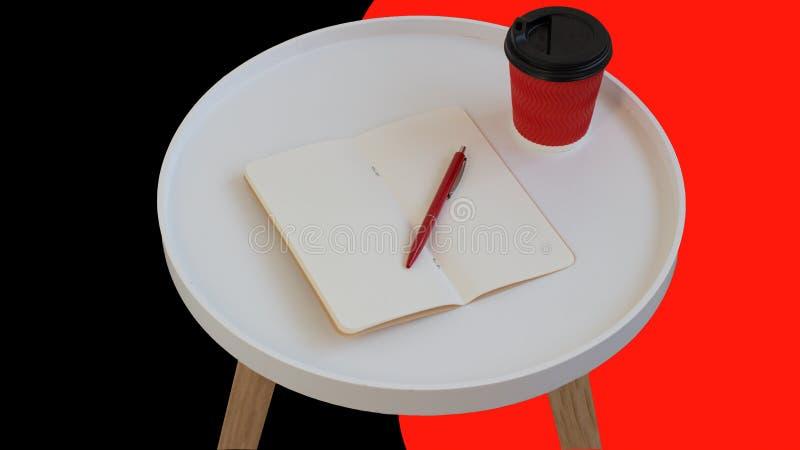 Papel de nota vazio vazio aberto com pena vermelha, x?cara de caf? vermelha do cart?o a ir na tabela de madeira do jornal redondo foto de stock