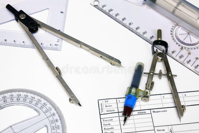 Papel de trazo y reglas técnicos, calibradores fotos de archivo libres de regalías