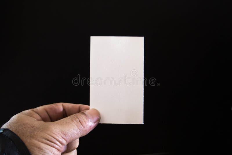 Download Papel En Blanco En Las Manos De Hombres Imagen de archivo - Imagen de negocios, anuncio: 42434471