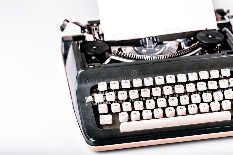 Papel en máquina de escribir imagenes de archivo