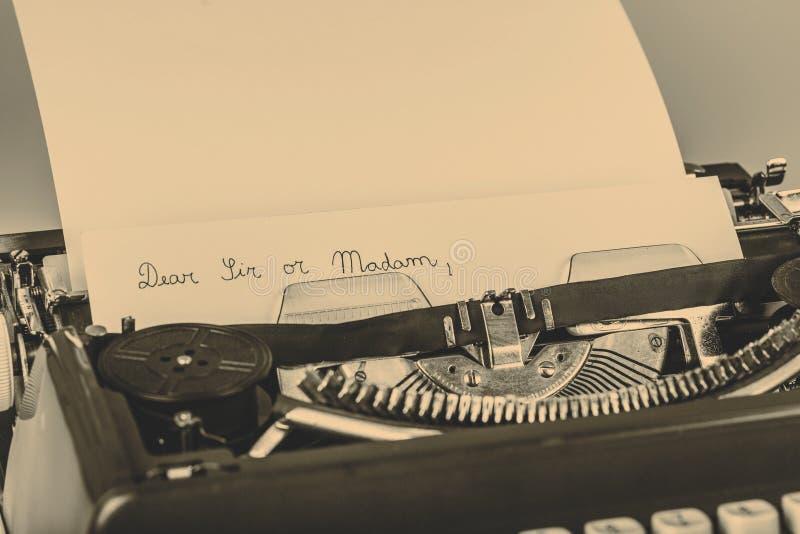 Papel en máquina de escribir imagen de archivo