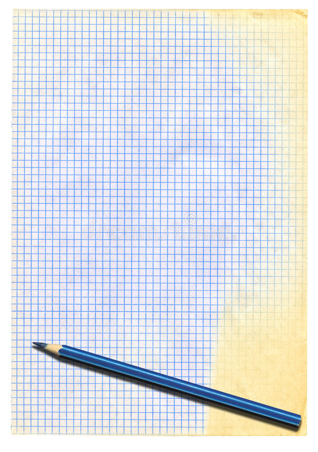 Papel esquadrado e lápis amarelados fotos de stock royalty free