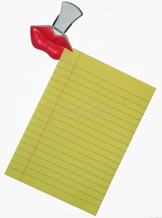 Papel y clip de nota imagenes de archivo