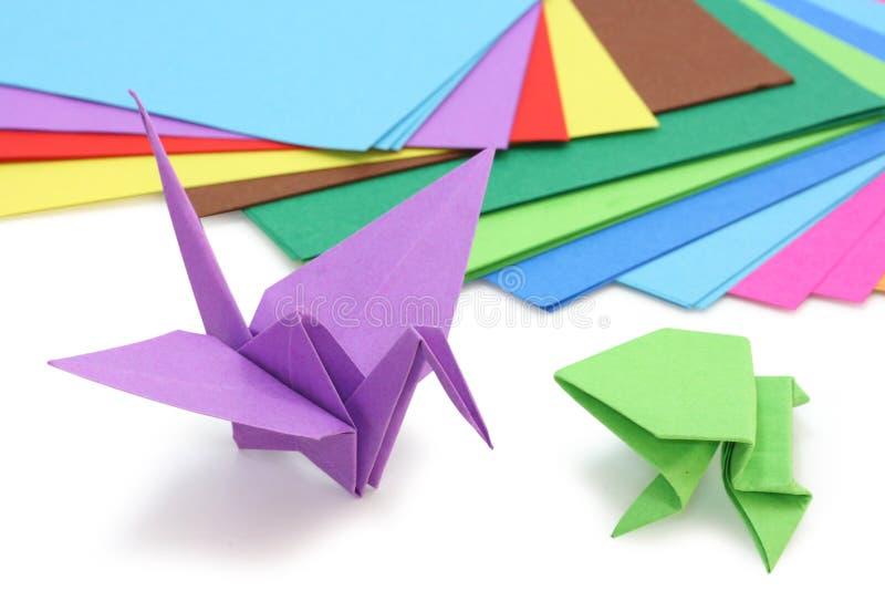 Papel y figuras de Origami foto de archivo