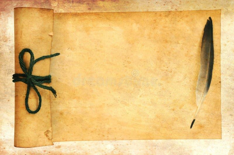 Papeles y pluma viejos foto de archivo libre de regalías
