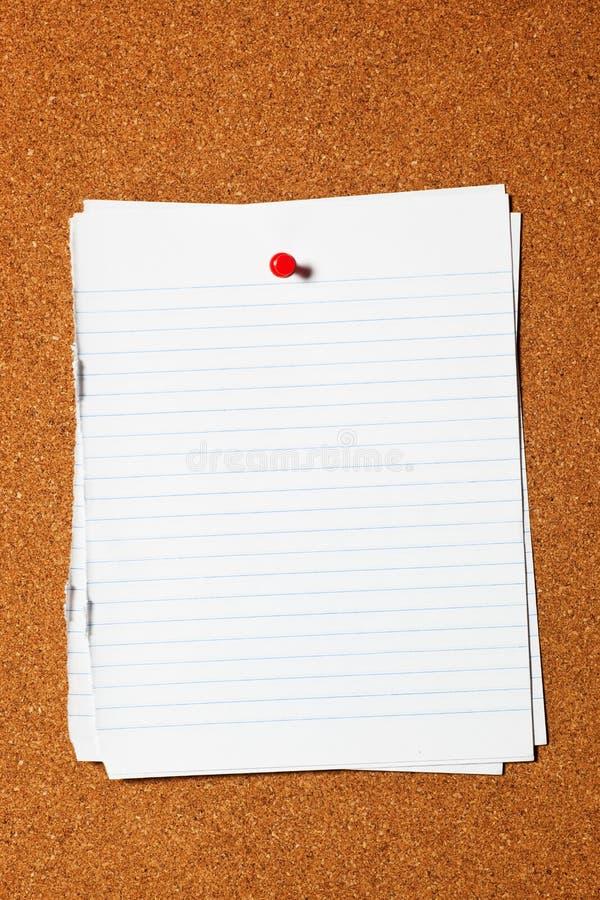 paper writing för corkboard royaltyfria bilder