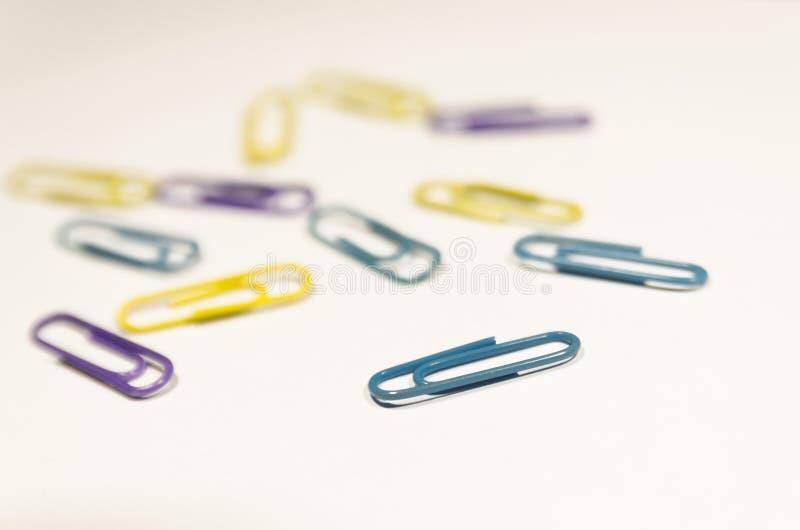 Paperclips coloreados imagen de archivo libre de regalías