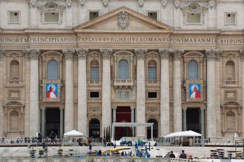 Papes John XXIII et John Paul II à canoniser images stock