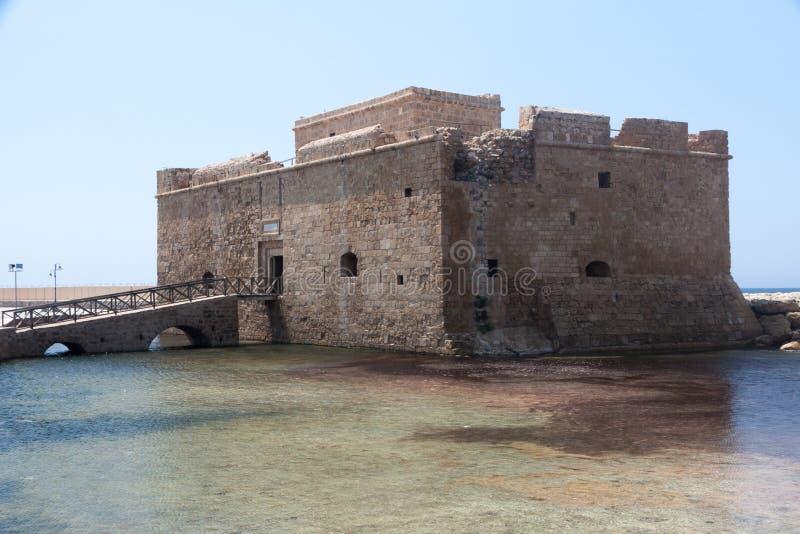 PAPHOS, CYPRUS/GREECE - 22 JULI: Oud fort in Paphos Cyprus op Ju royalty-vrije stock afbeeldingen