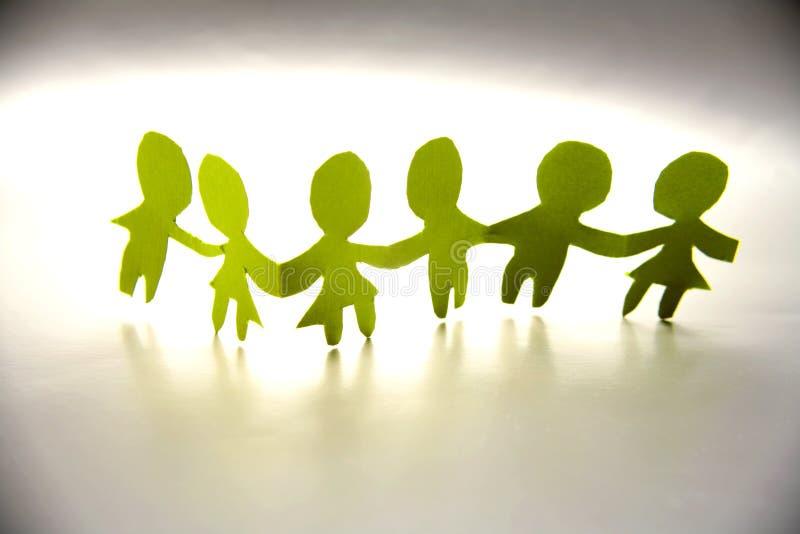 papier à chaînes de poupée images libres de droits