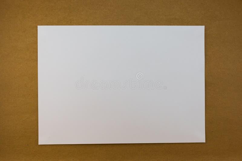 Papier blanc blanc sur le style de papier en bois de vintage de texture de fond image stock