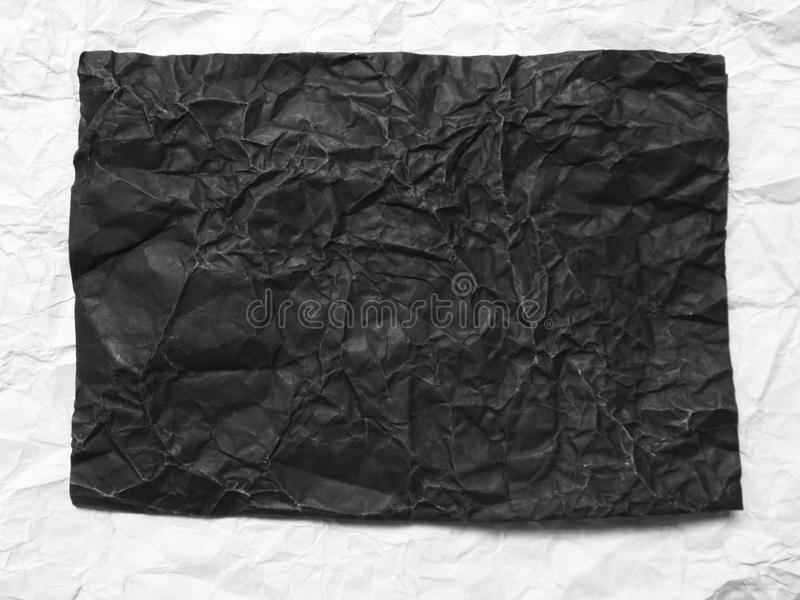 papier chiffonné par noir image libre de droits