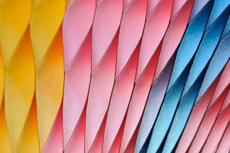 Papier coloré brouillé sur le fond photographie stock libre de droits