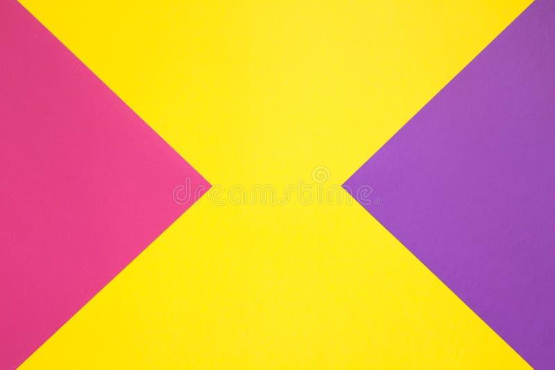 Papier coloré dans géométrique photographie stock