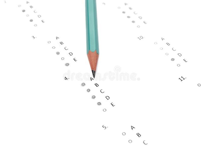 Papier de crayon et réactif photos stock