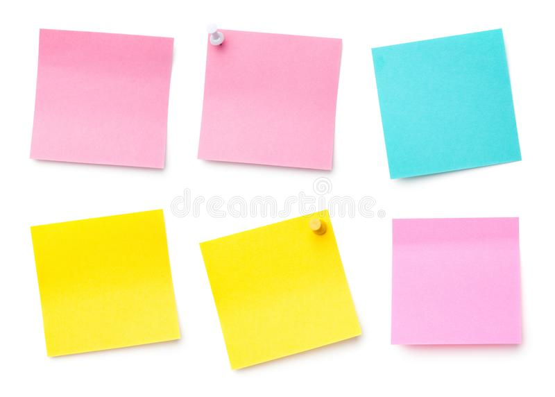 Papier de note collant de courrier d'isolement sur le fond blanc photos stock