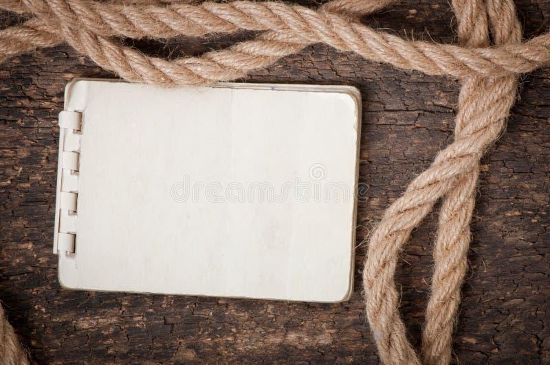 Papier et corde photographie stock libre de droits