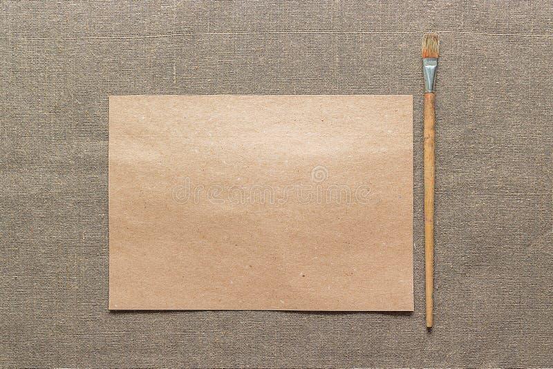 Papier et pinceau vides images stock