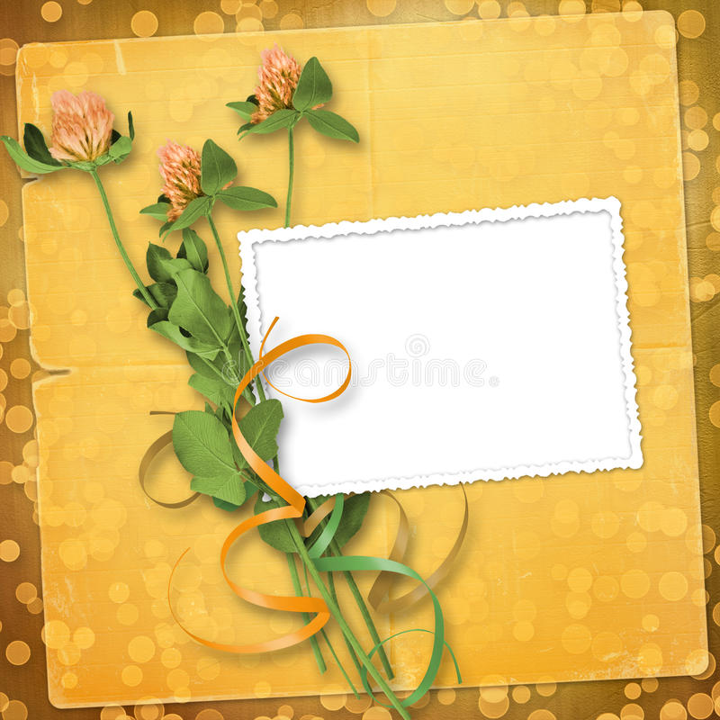 Papier für Glückwunsch mit Bündel des Klees lizenzfreie abbildung