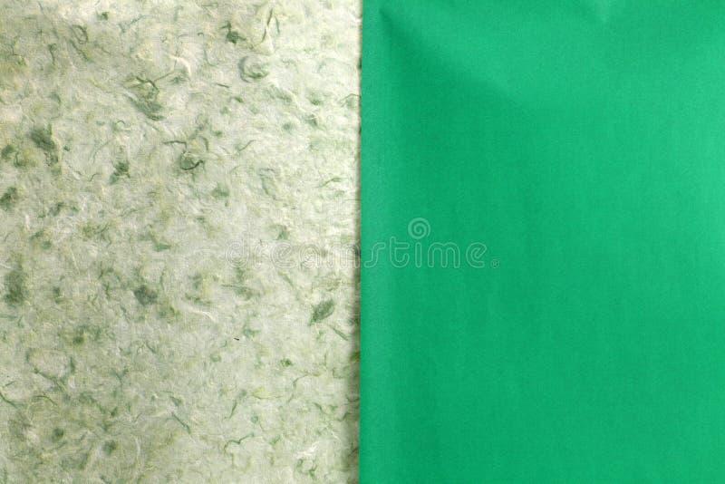 Papier fait main naturel vert de déchirure photo libre de droits