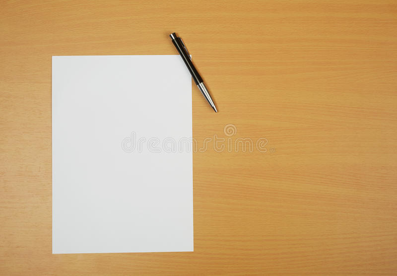 Papier na biurku fotografia royalty free