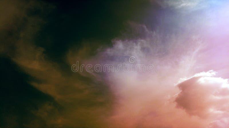 Papier peint coloré de fond de texture d'effets de mélange de nuages fumeux images libres de droits