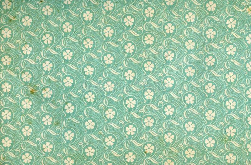 Papier peint floral utilisé de cru