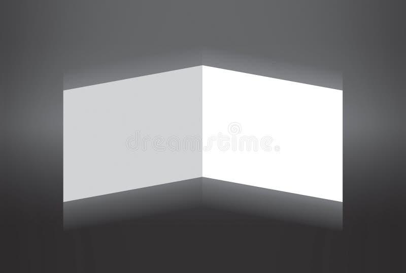 Papier plié blanc restant sur le fond gris photos stock