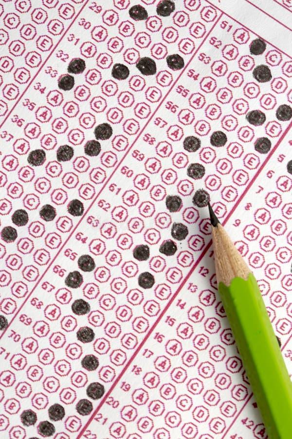 Papier réactif de jeu-concours d'examens avec le dessin au crayon images libres de droits