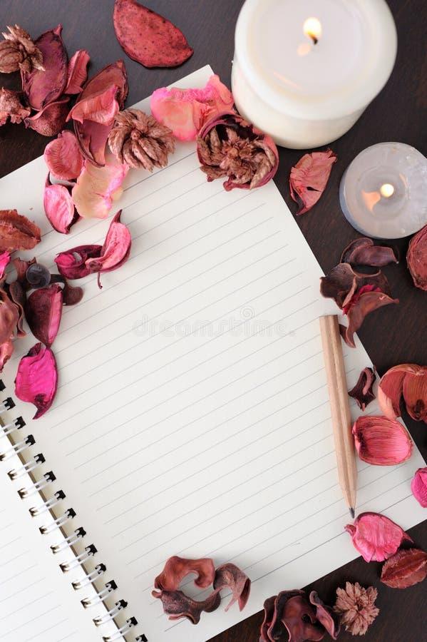 Download Papier und Dekoration stockbild. Bild von kunst, cerebration - 26355007