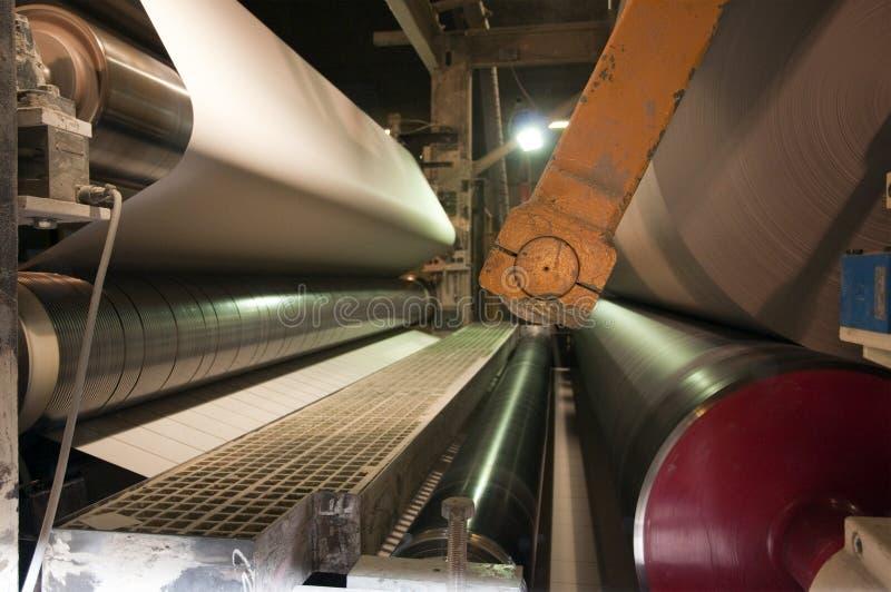 Papier- und Massentausendstelanlage - Langsiebmaschine stockfotos