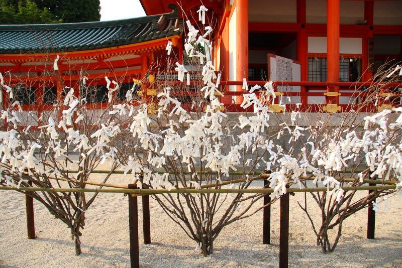 Papiere mit Wünschen in Japan lizenzfreies stockbild
