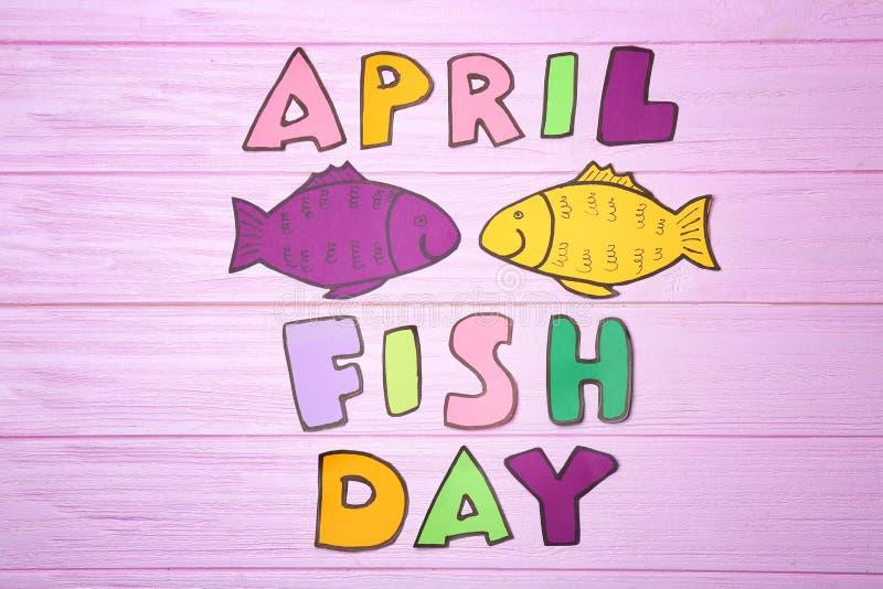 Papierfische und Phrase stockbild