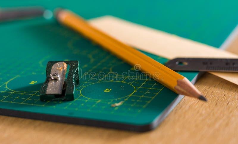 Papierowy crafter ` s miejsce pracy fotografia stock