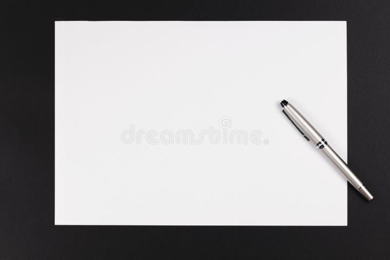 papierowy pióro fotografia stock