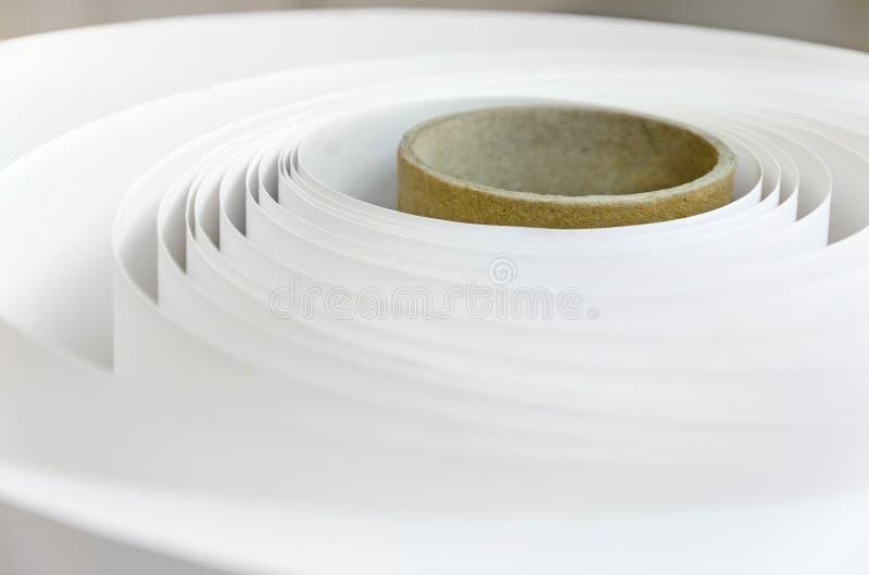 Papierrolle in einer Druckerei lizenzfreie stockfotos