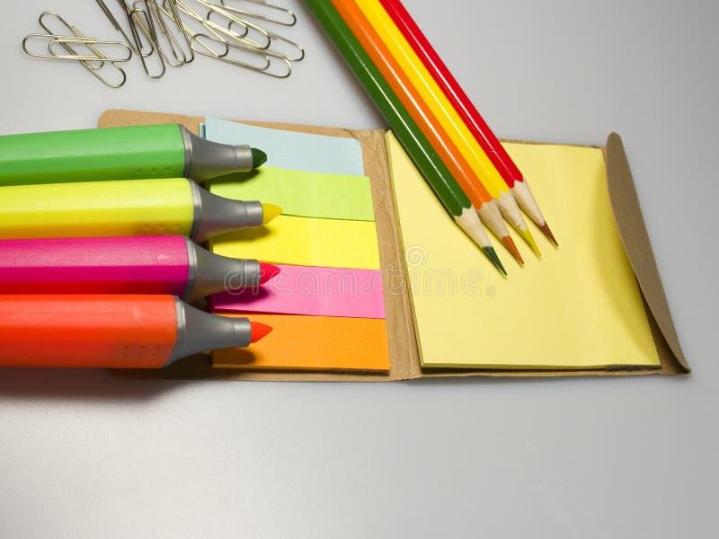 Papiers d'inscription de couleur photo stock