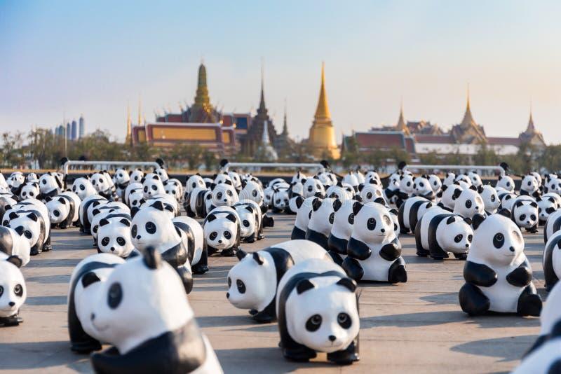 Papieru Mache pandy w 1.600 pand Światowej wycieczce turysycznej obrazy stock