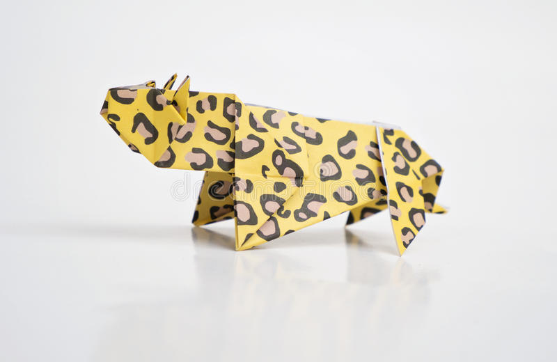 Papiroflexia del leopardo foto de archivo