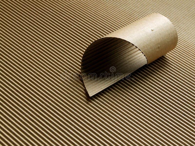 papp korrugerad rulle arkivfoto
