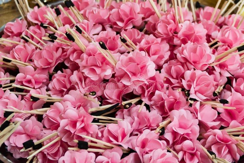 Pappers- blommors Dok Mai Chan 'eller begravnings- blomma, fotografering för bildbyråer