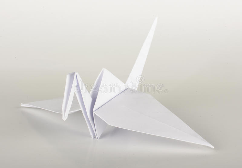 Pappers- origamikran royaltyfri fotografi