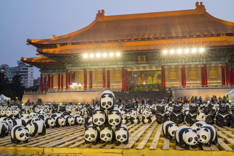 Pappers- panda på Taipei royaltyfri fotografi