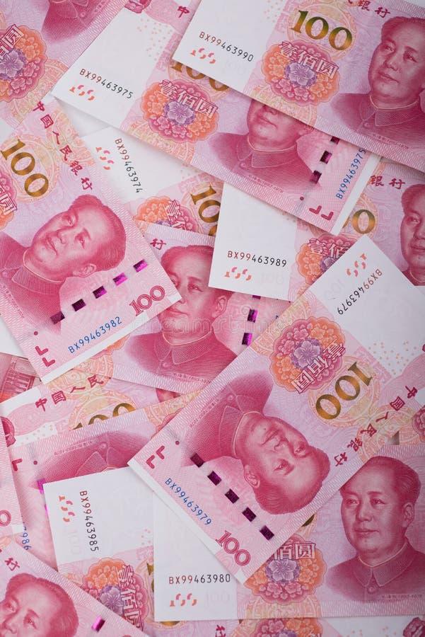 Pappers- pengar av porslinet royaltyfri bild